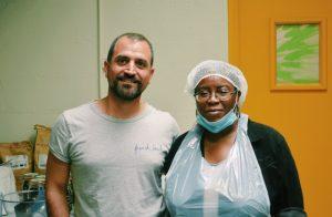 Photo de Marc (co-fondateur de Pickr) et Viviane (employée à l'ESAT)